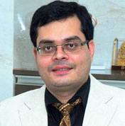 Dr. Kamlesh N Gupta, Best Eye Surgeon in Mumbai